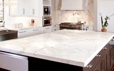white-quartz-countertop-kitchen-1